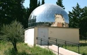 L'esterno del planetario Livio Gratton